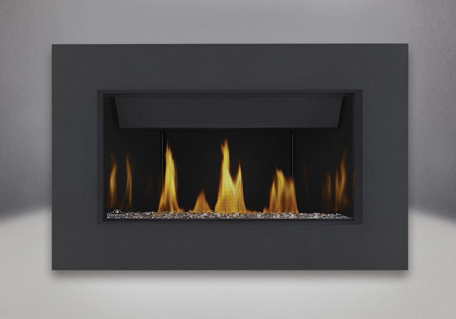 Topaz CRYSTALINE<sup>™</sup> ember bed, MIRRO-FLAME<sup>™</sup> Porcelain Reflective Radiant Panels, Classic 4-Sided Surround with safety screen