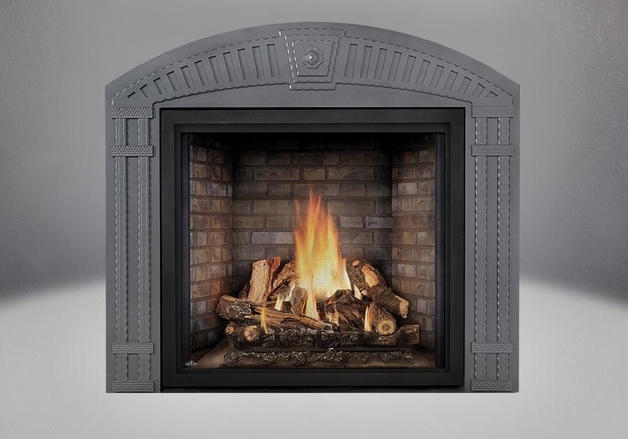 PHAZER<sup>®</sup> OAK Log Set, Newport<sup>™</sup> Panel, Arched Surround