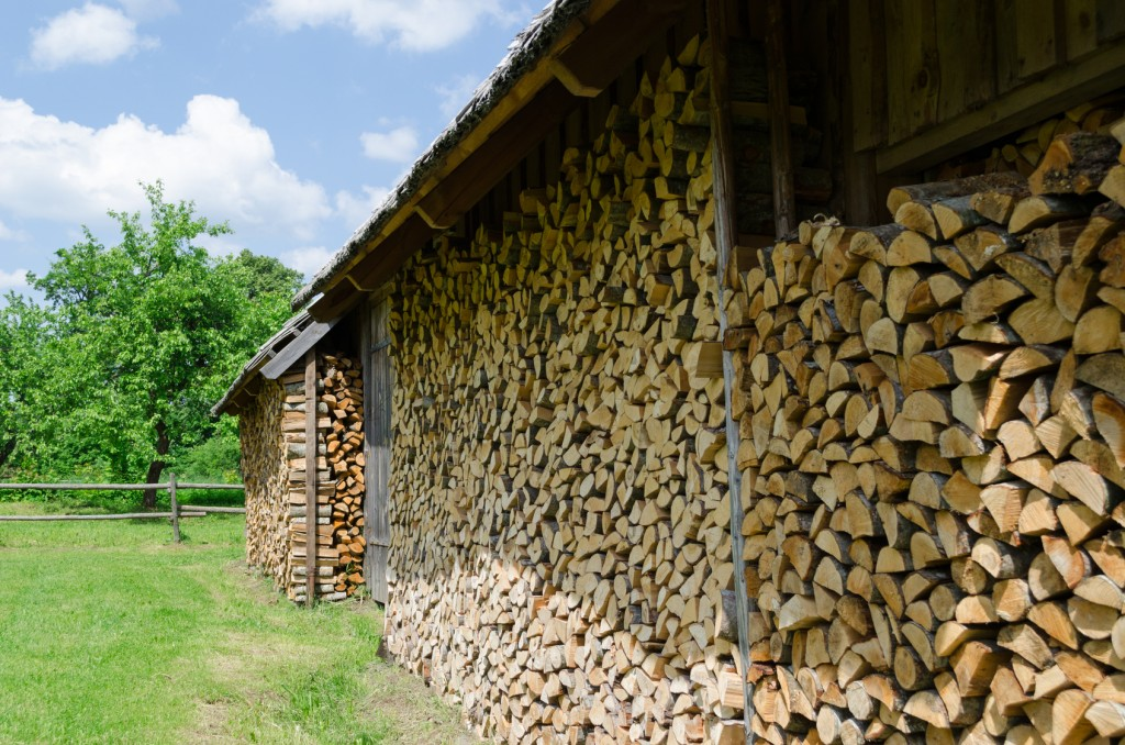 how to stack firewood for seasoning 2
