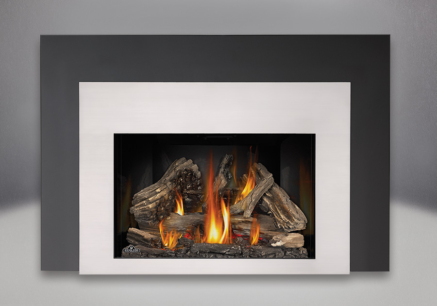 9 inch One Piece Surround, MIRRO-FLAME<sup>™</sup> Reflective Panels, IRONWOOD<sup>™</sup> Log Set and Contemporary Satin Chrome Plated Rectangular Front, Standard Safety Screen