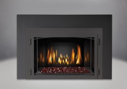 Red CRYSTALINE<sup>&trade;</sup> Ember Bed, MIRRO-FLAME<sup>&trade;</sup> Porcelain Reflective Radiant Panels, Zen Modern Door Painted Black Finish, One Piece Surround Painted Black Finish 6″
