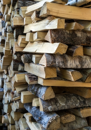 How to properly stack split wood